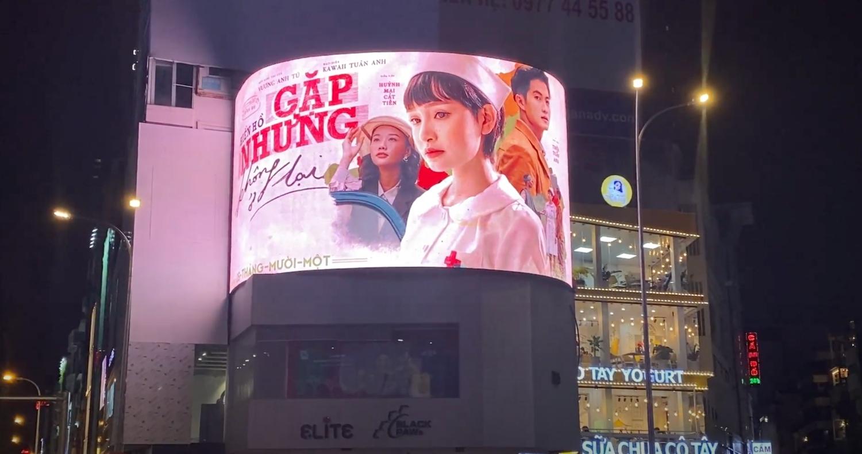 Hiền Hồ phủ kín hình ảnh MV mới trên loạt xe buýt cùng các billboard lớn