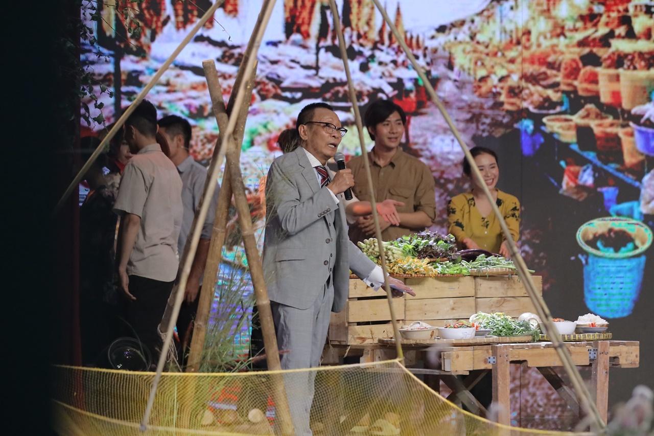 NSND Hồng Vân chứng tỏ độ sành ăn khi phân biệt đúng 12 loại mắm đồng miền Tây