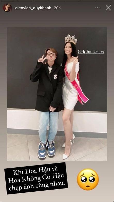 Chụp ảnh cùng Duy Khánh, Đỗ Thị Hà lộ nhan sắc hốc hác thấy rõ so với lúc đăng quang