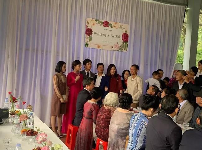 Chiêm ngưỡng nhan sắc của cô dâu Viên Minh trong tiệc cưới ở quê chồng