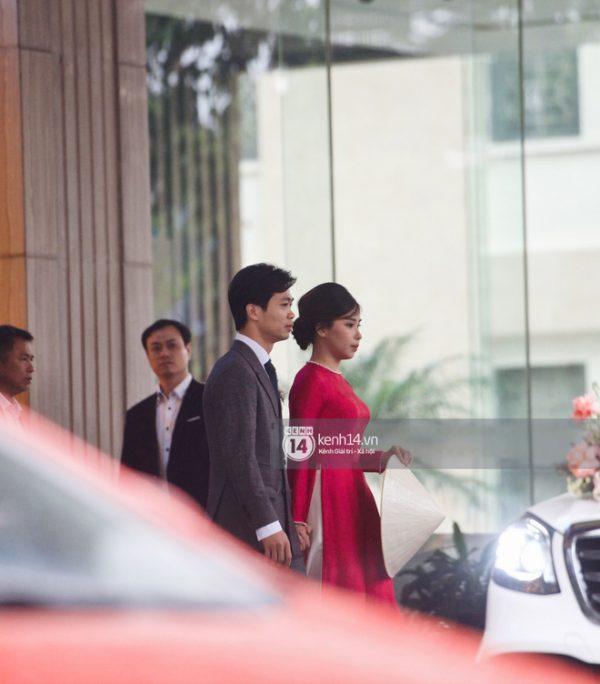 Công Phượng đón dâu bằng dàn xe Mercedes 7 tỉ cực hoành tráng