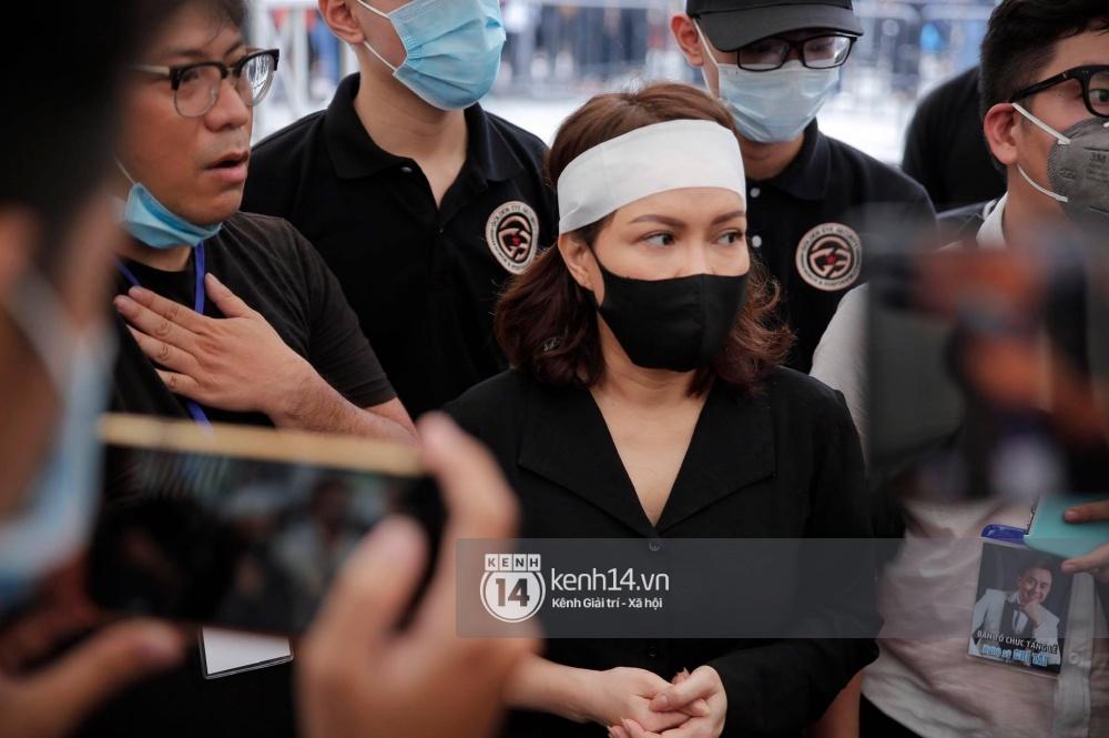 NS Việt Hương tiết lộ tình trạng đáng lo của bà xã cố NS Chí Tài tại Mỹ