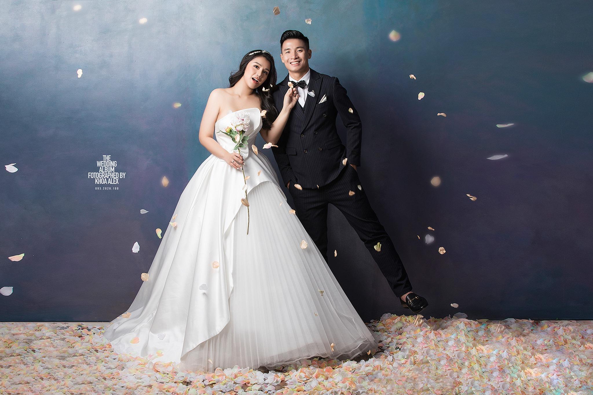Trọn bộ ảnh cưới hoành tráng của Bùi Tiến Dũng - Khánh Linh: Chú rể cực phong độ, cô dâu xinh đẹp miễn chê