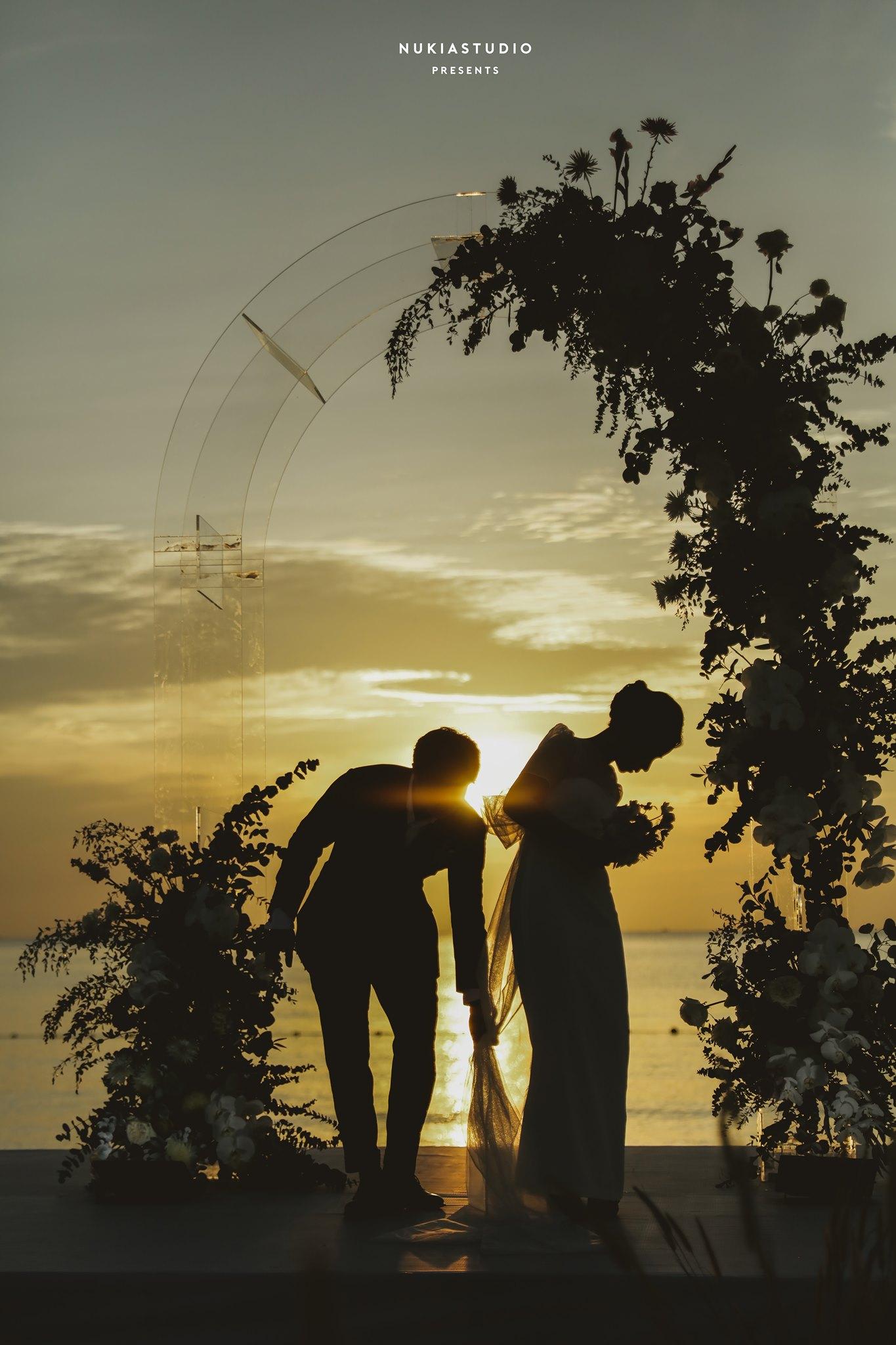 Đêm giao thừa, Công Phượng tung loạt ảnh full HD tuyệt đẹp trong 3 đám cưới hoành tráng
