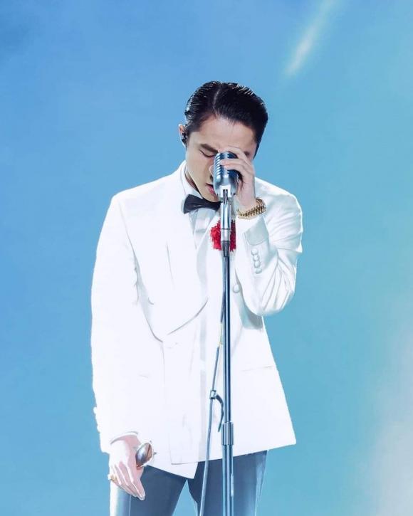 Tuấn Hưng đăng ảnh bên Sơn Tùng M-TP, công khai ủng hộ đàn em giữa drama tình cảm