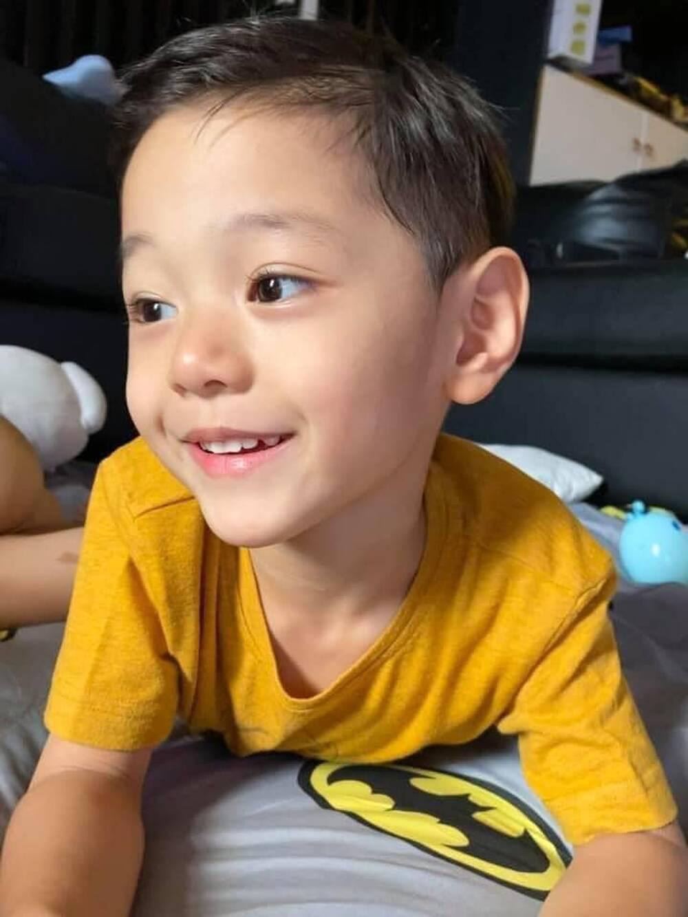 Con trai Trà My Idol gây sốt MXH với loạt ảnh điển trai từ tấm bé