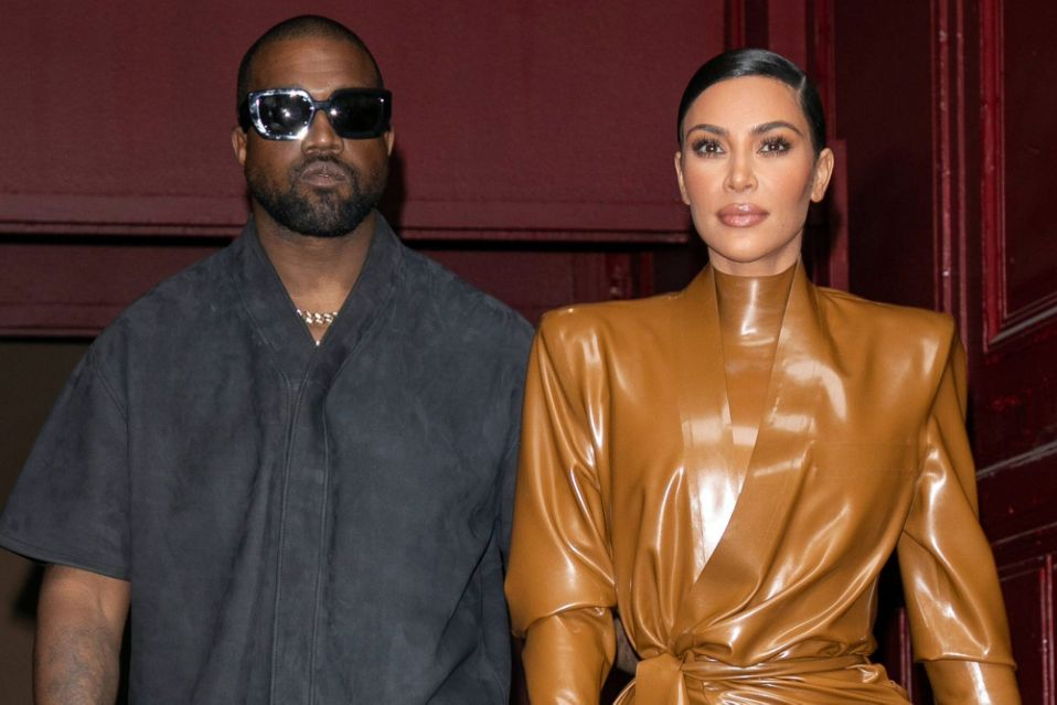 HOT: Kim Kardashian - Kanye West chính thức ly hôn sau hơn 7 năm chung sống và có 4 con chung