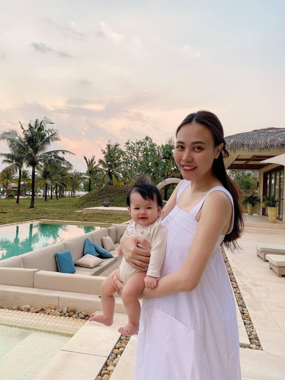 Nghi vấn Đàm Thu Trang đang mang bầu lần 2 dù mới sinh con 7 tháng