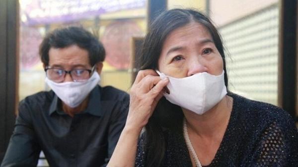 Bố mẹ cố diễn viên Mai Phương than thở không được cho gặp cháu, vú nuôi bé Lavie phản pháo: Nghiệp đến