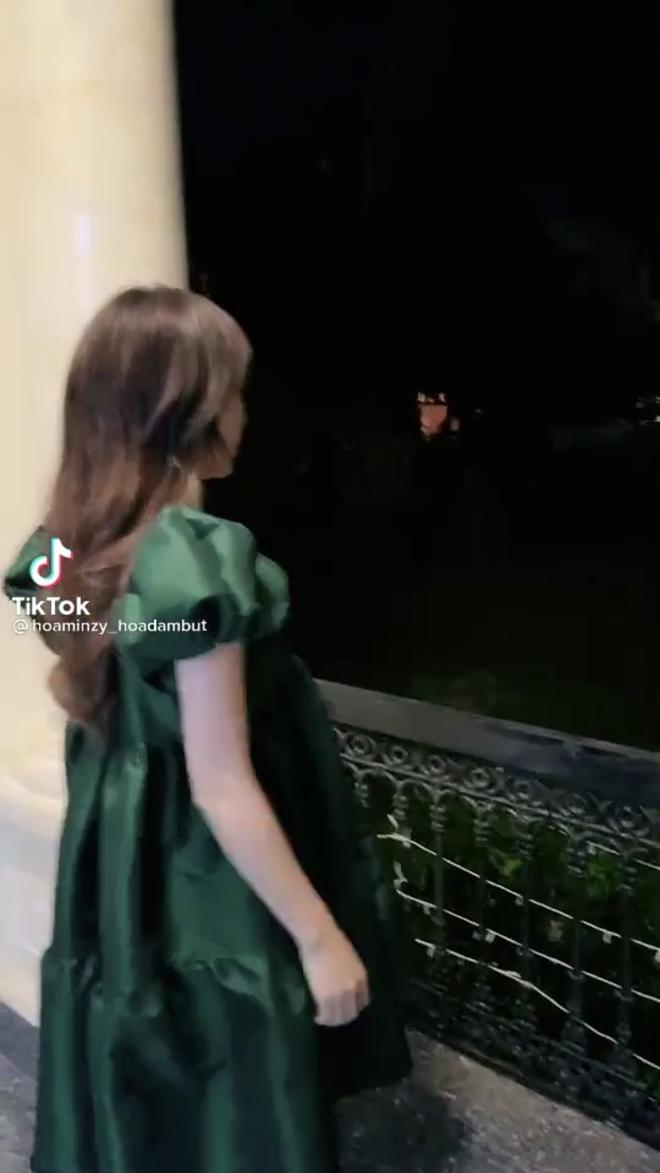 Hòa Minzy khoe cận cảnh vòng 2 giữa tin đồn mang thai lần 2