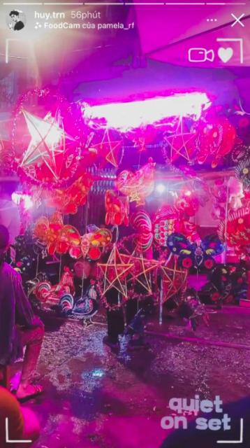 Huy Trần - Ngô Thanh Vân tiếp tục phát cẩu lương: CEO trẻ công khai tháp tùng chị đẹp đến phim trường, lại còn chờ đến tối muộn cùng nhau
