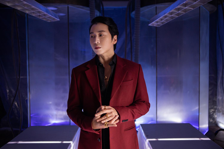 """Only C và Karik kết hợp hát nhạc """"lụi"""", Kiều Minh Tuấn và Tú Hảo hóa người nhân bản, diễn xuất giằng xé"""