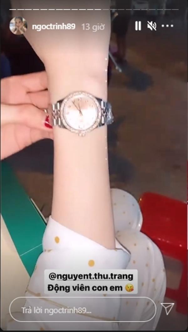 Vừa bị mất bộ sưu tập hơn 15 tỷ, Ngọc Trinh nhanh chóng đập hộp đồng hồ mới với mức giá trên trời không kém