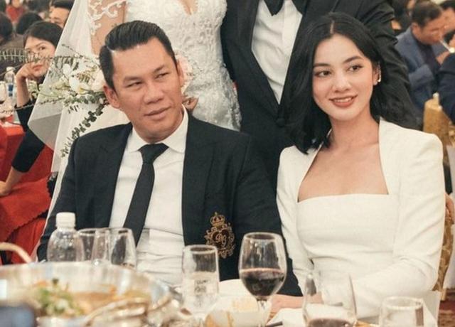 Bị netizen ném đá hậu công khai tin nhắn đi ăn giá 16,000 USD, Cẩm Đan lên tiếng đáp trả