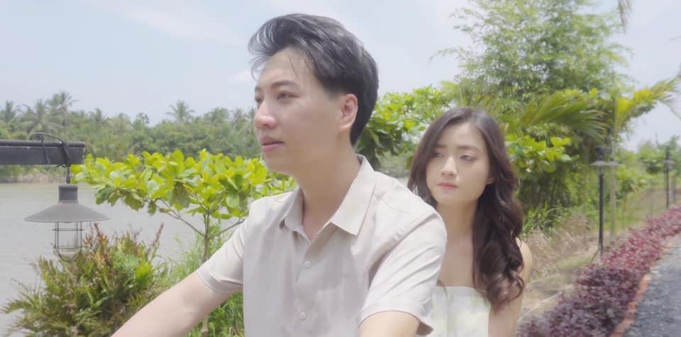 Dương Minh Tuấn trở lại với sản phẩm lấy đi nước mắt người xem Xem Như Người Lạ