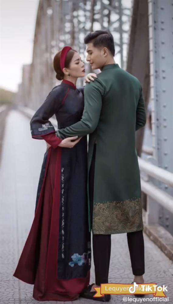 Lệ Quyên nói gì khi ảnh chụp với tình trẻ bị gọi mẫu hậu và hoàng tử