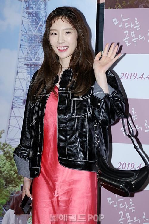 Lâu lắm rồi các thành viên SNSD mới hội ngộ với nhau tại sự kiện ra mắt phim của Sooyoung