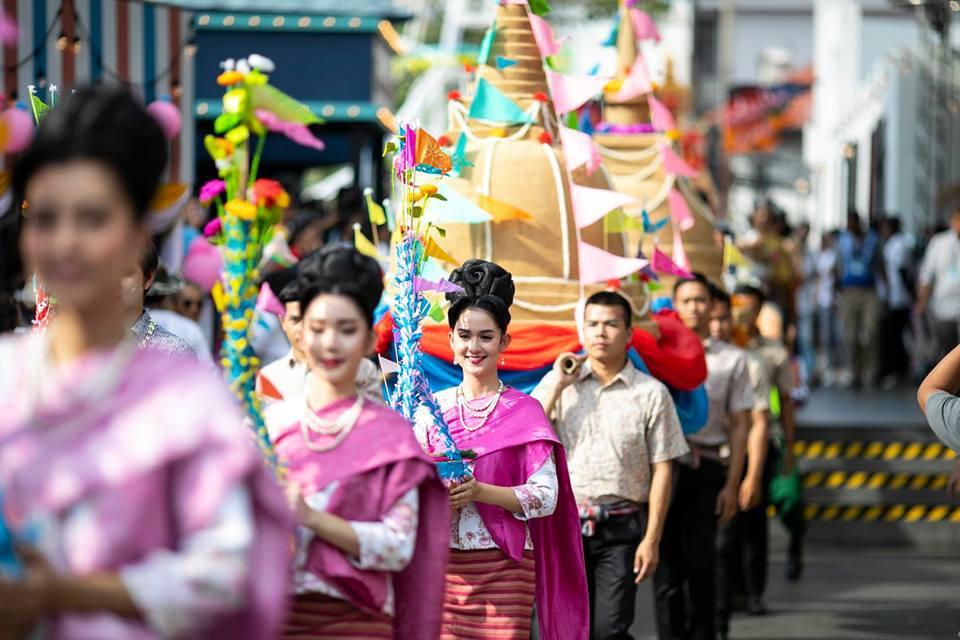 Dân tình náo loạn với nhan sắc cực phẩm của nữ thần Thungsa trong lễ Songkran 2019 tại Thái Lan