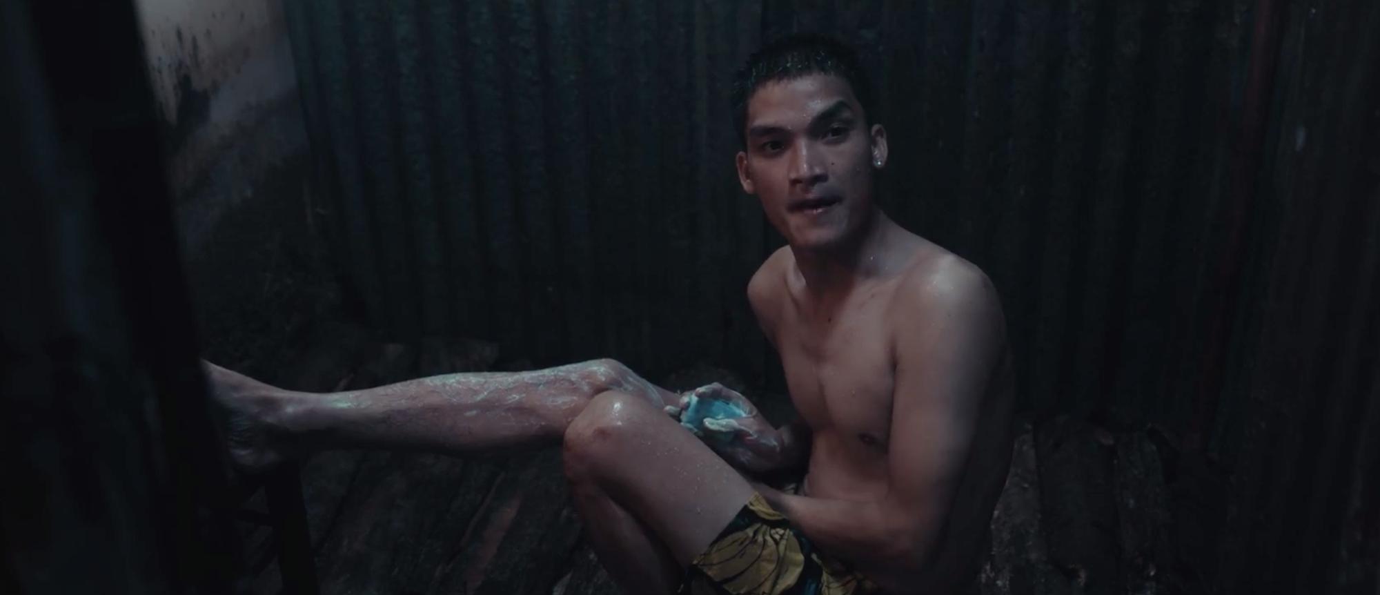 Lật Mặt 4 lọt top 3 phim Việt có doanh thu mở màn cao nhất mọi thời đại, khán giả đồng loạt gọi tên Mạc Văn Khoa!
