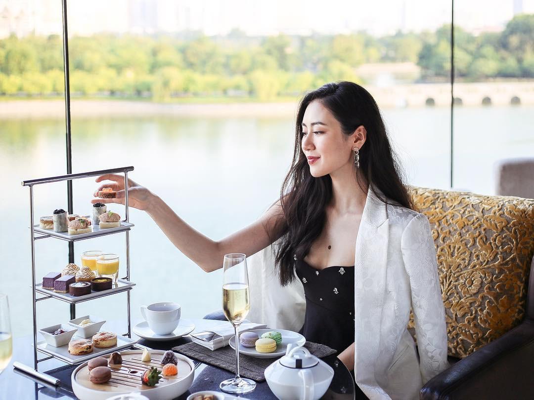 Nàng Tấm ngoài đời trông xinh đẹp là thế cớ sao trong MV của Chi Pu lại sai sai thế này!