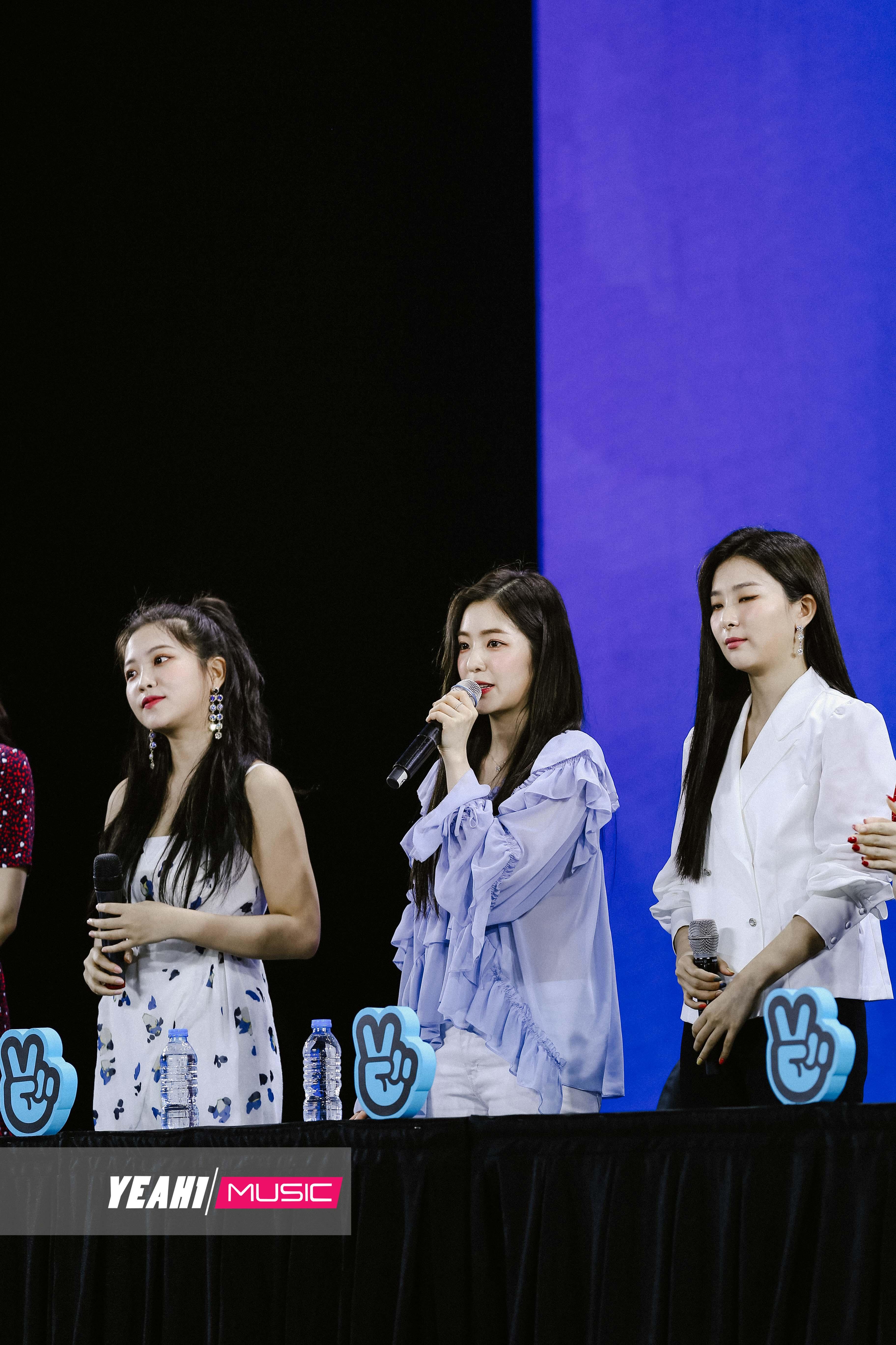 Mỹ nhân nhà SM - Red Velvet khoe nhan sắc đỉnh cao tại buổi họp báo đầu tiên tại Việt Nam