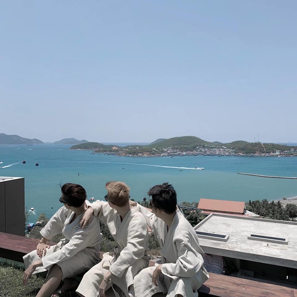 Sơn Tùng tiếp tục khoe ảnh du lịch chất phát ngất trong kỳ nghỉ lễ