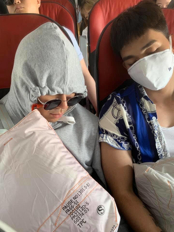 Đến lượt thánh nhọ Ngô Kiến Huy dìm hàng dàn Running Man Vietnam trên máy bay không thương tiếc