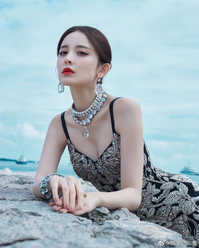 Mỹ nhân bị nhầm với Ngọc Trinh: Nàng công chúa Hoa ngữ đẹp ná thở tại Cannes bất chấp ảnh không photoshop
