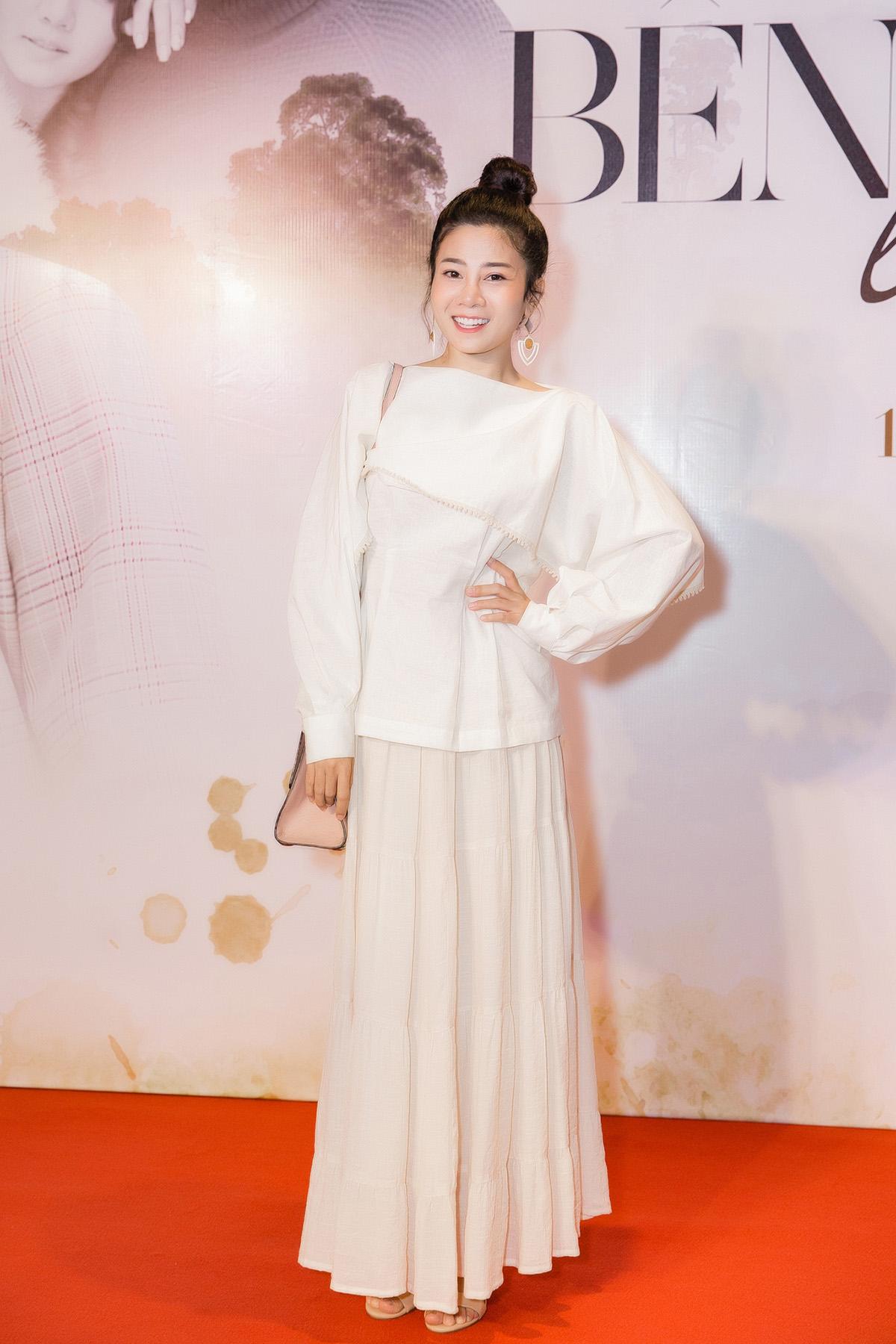 Mai Phương, Vân Trang xinh đẹp rạng rỡ cùng khách mời khủng đến chúc mừng Nam Cường ra mắt MV mới