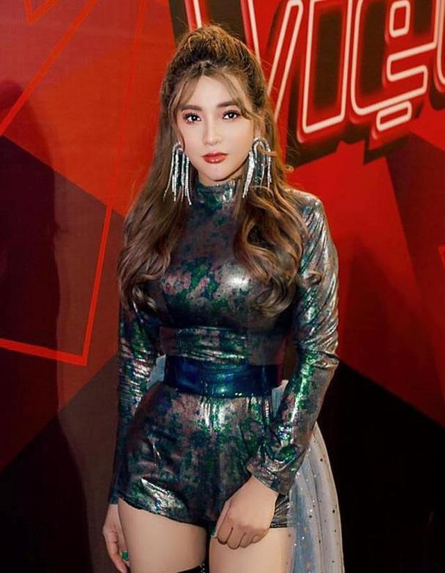 """Sau lùm xùm The Voice 2019, Bảo Yến Rosie  """"đốn tim"""" fan khi làm mới hit của Hiền Hồ"""