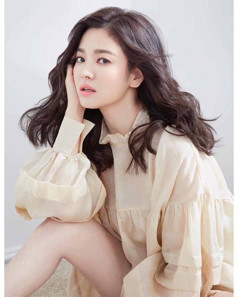 Cạn tình cạn nghĩa, Song Hye Kyo đã chính thức chuyển ra khỏi căn nhà tân hôn, Song Joong Ki về sống với gia đình
