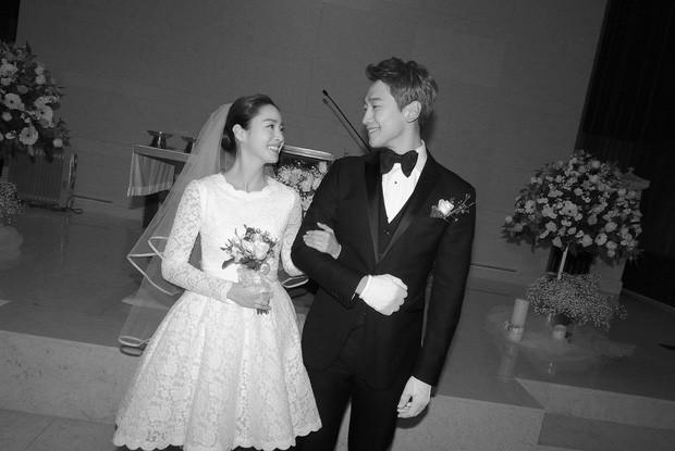 Bức ảnh màu hiếm hoi trong lễ cưới của Bi Rain và Kim Tae Hee bất ngờ dậy sóng