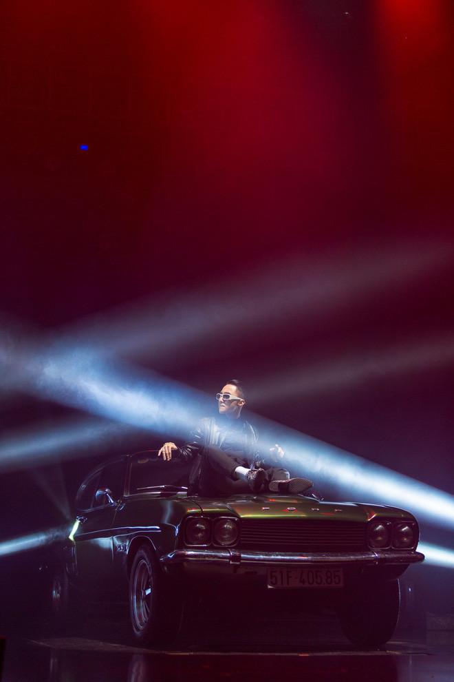 Hình ảnh đẹp từ Sky Tour đêm đầu tiên tại TP.HCM: Quy mô tổ chức chuẩn quốc tế, khán giả bùng nổ với loạt siêu hit được phối chất lượng