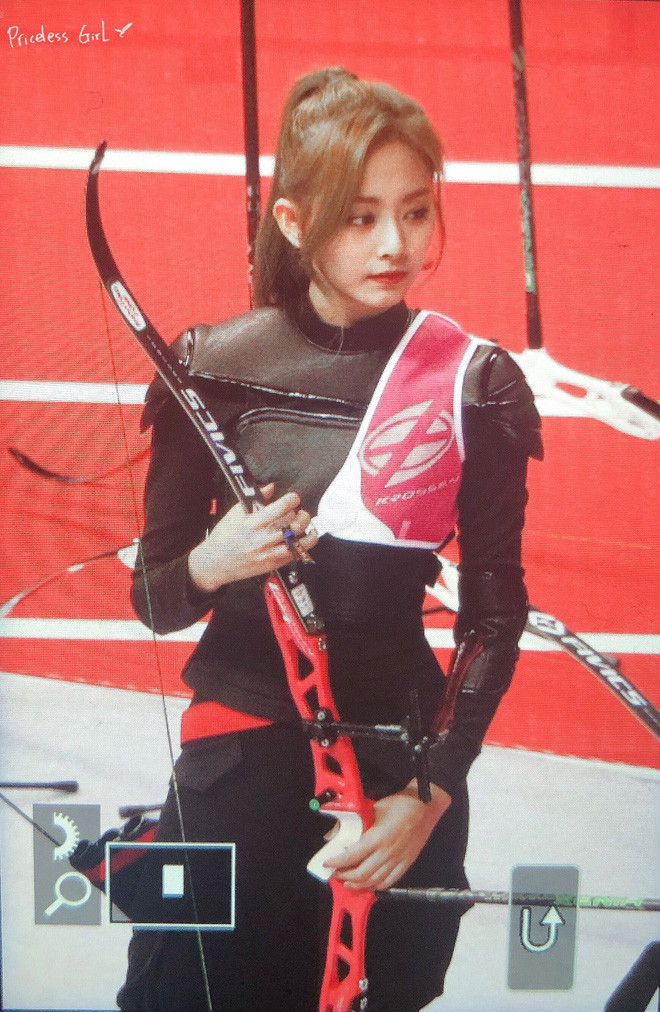 Nữ thần Tzuyu (TWICE) gây sóng gió tại  Đại hội thể thao idol 2019 với ngoại hình nữ chiến binh, nhan sắc như tượng tạc
