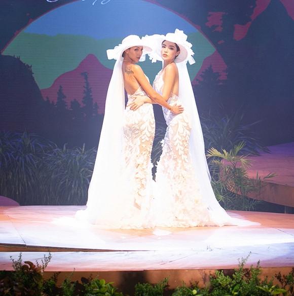 Giữa nghi vấn tình cảm, Kỳ Duyên - Minh Triệu diện váy cưới đôi, tạo dáng tình tứ trên sàn catwalk