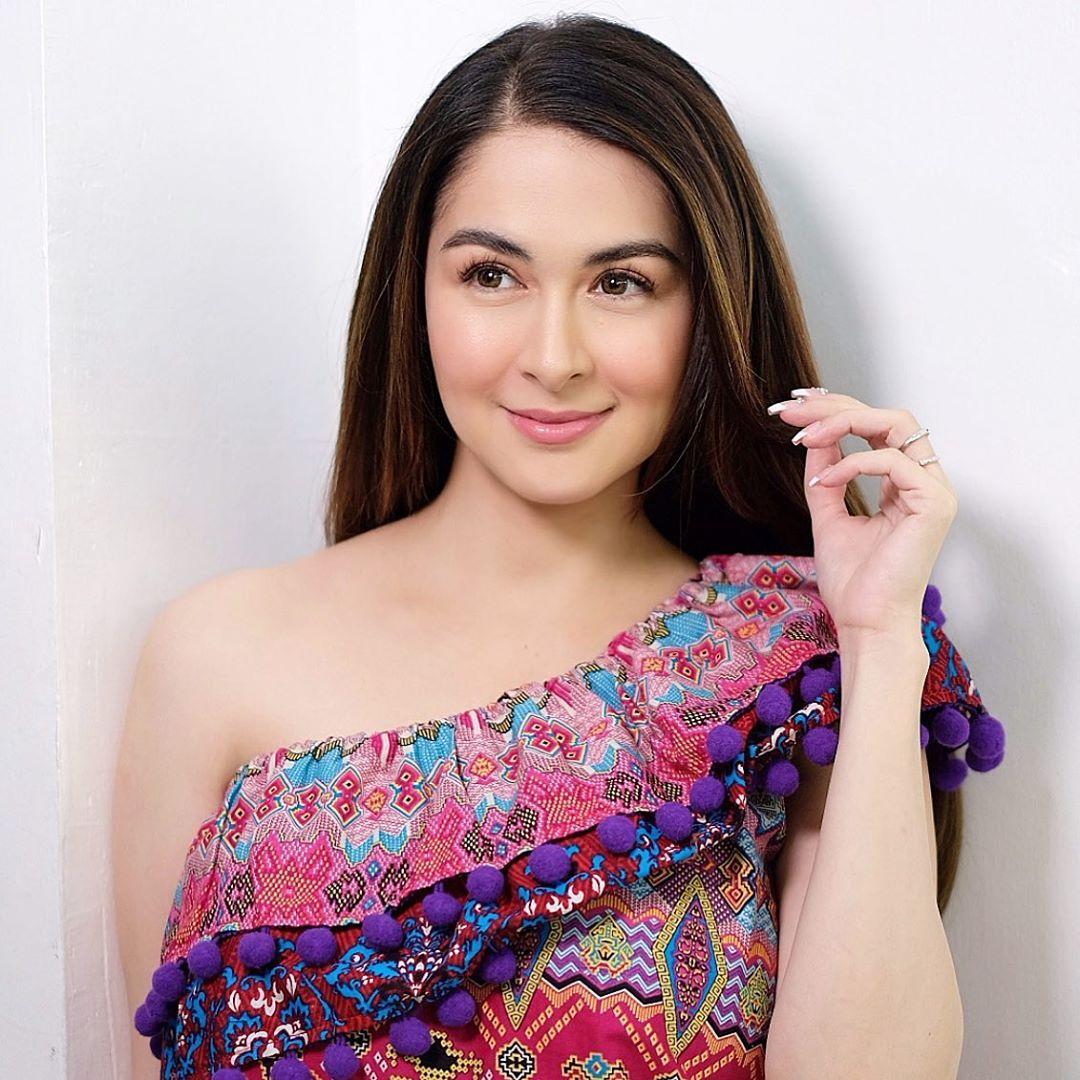 """""""Mỹ nhân đẹp nhất Philippines"""" chỉ  bồng con thôi mà cũng gây sốt vì khí chất tựa nữ thần"""