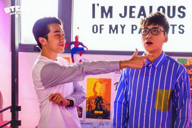 Huy Cung giải nghệ làm vlog sau 4 năm, chuyển hướng làm ca sĩ với sản phẩm đầu tay có Cris Phan góp vui