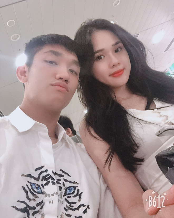 Muốn làm bạn gái cầu thủ Việt không dễ: Xinh đẹp, gia thế khủng và học vấn cũng phải đâu ra đấy!