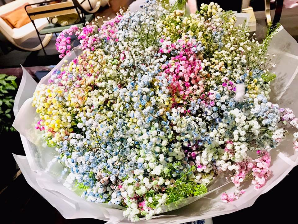 Trương Nam Thành dành tặng món quà siêu to khổng lồ cho bà xã hơn tuổi nhân dịp kỷ niệm 10 tháng kết hôn