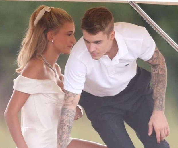 Cập nhật đám cưới thế kỷ của Justin Bieber: Cặp đôi chính thức tuyên thệ Con đồng ý trước sự chứng kiến của hàng trăm khách mời!
