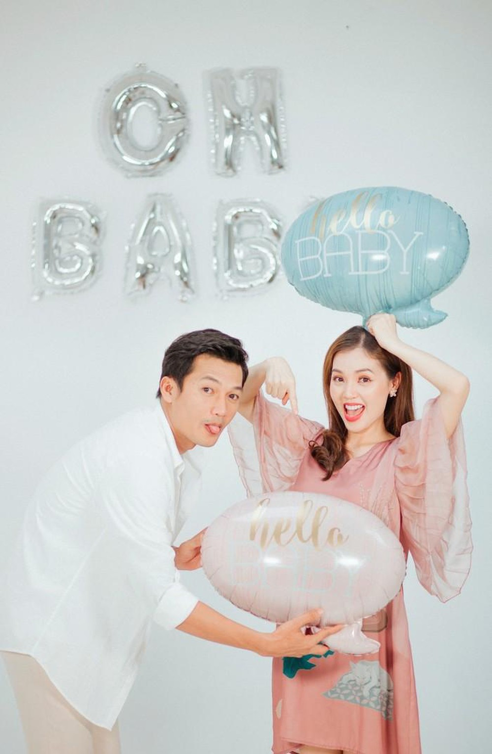 Thầy Huỳnh Thất Sơn Tâm Linh thông báo bà xã mang thai con đầu lòng sau 3 năm kết hôn