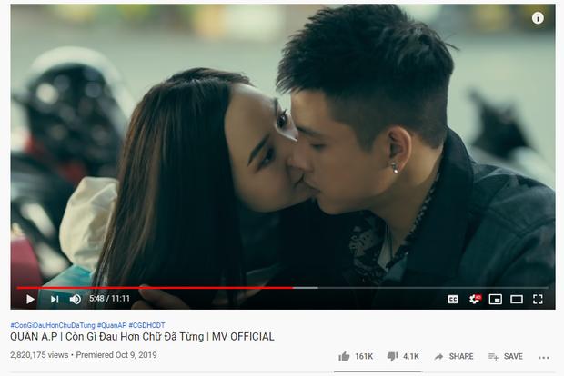 Nối tiếp Em gì ơi của Jack và K-ICM, MV mới của Quân A.P bị YouTube cho thất sủng?