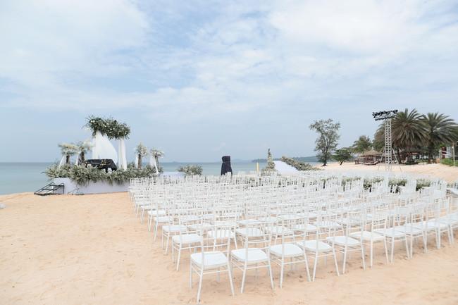 Tiết lộ khung cảnh lãng mạn tại lễ đường nơi Đông Nhi - Ông Cao Thắng trao lời hẹn ước trọn đời
