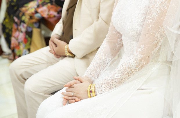 Soi sính lễ khủng của Bảo Thy trong lễ cưới: Toàn trang sức đắt giá, chú ý nhất là nhẫn kim cương siêu to khổng lồ