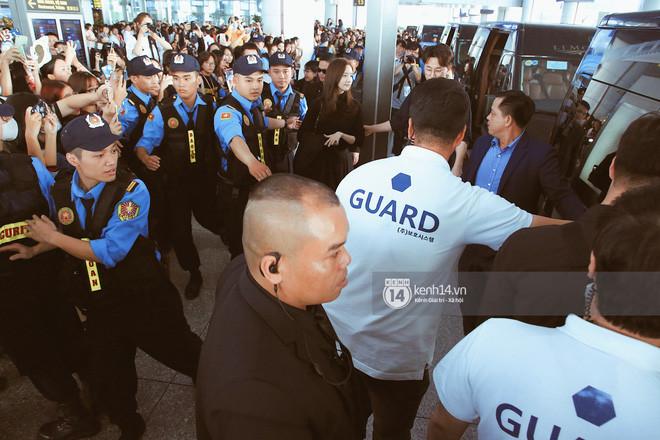 Nữ thần Yoona xuất hiện chớp nhoáng tại sân bay Nội Bài, thần thái ngút ngàn khiến fan ngất lịm