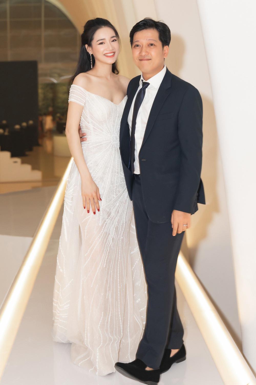 Trường Giang tiết lộ cuộc sống hôn nhân với Nhã Phương: Vợ 6 múi nên tôi ở nhà im lắm, không dám nói