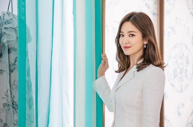 Song Hye Kyo sau khi ly hôn Song Joong Ki chính là minh chứng rõ nét nhất cho câu nói phụ nữ đẹp nhất khi không thuộc về ai