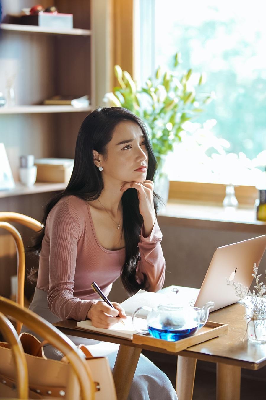 """Đạo diễn Nhất Trung xác nhận Nhã Phương là nữ chính """"mắc bệnh ngôi sao"""", phía diễn viên nhanh chóng có lời đáp trả"""