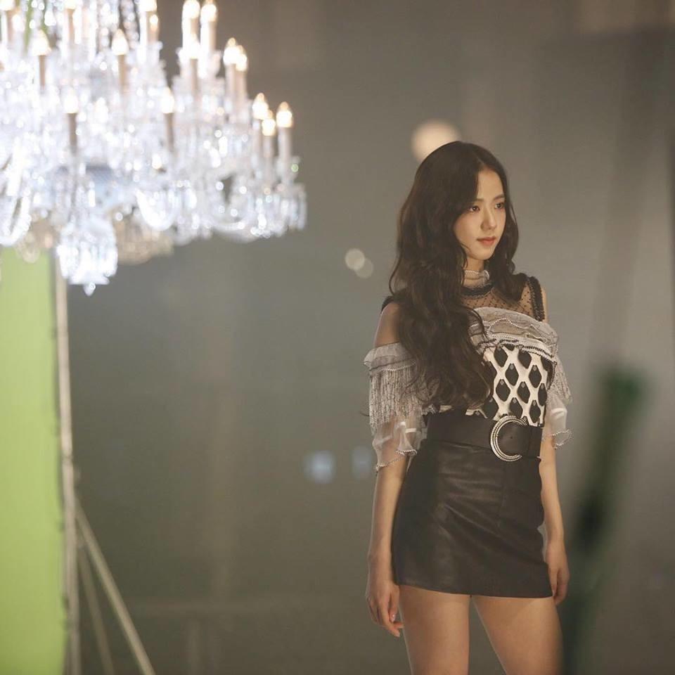 Chưa kịp comeback, fan tức giận vì Black Pink bị biến thành Jennie và những người bạn