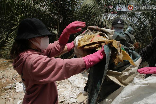 Chi Pu và Quỳnh Anh Shyn nhập cuộc Thử thách dọn rác: Khi việc làm ý nghĩa lan tỏa ngày càng mạnh mẽ!